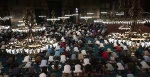 Ayasofya Camii'nde İlk Sabah Namazı
