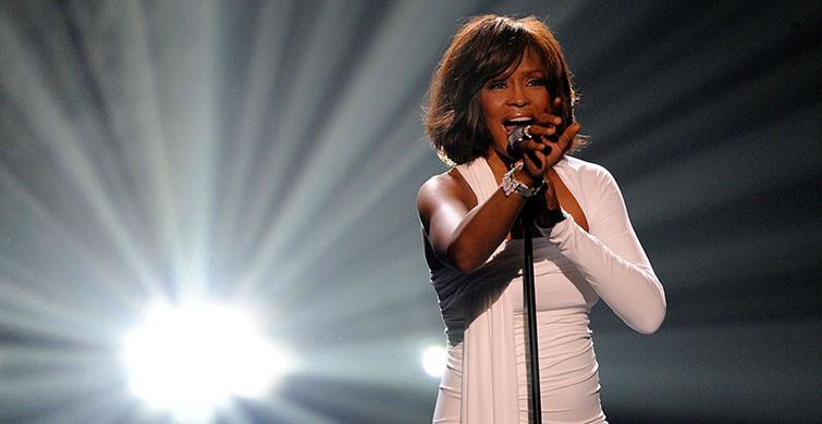 Whitney Houston Kimdir? Whitney Houston Boyu Kaç, Kilosu Kaç, Aslen Nereli, Sevgilisi Kimdir?