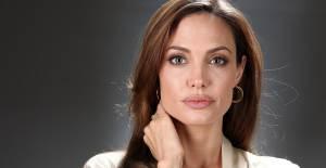 Angelina Jolie Çocukların Yardım Kampanyasının Sesi Oldu - 1