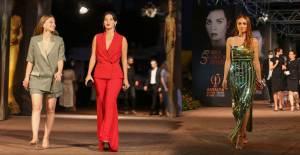 Altın Portakal Film Festivali Kırmızı Halıda Şıklık Yarışı - 1