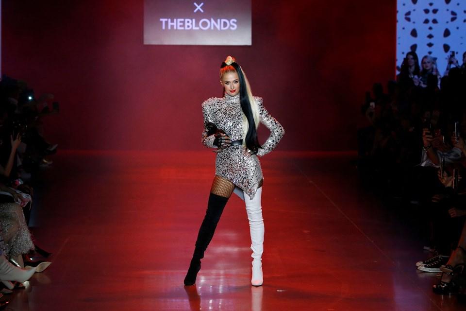 Paris Hilton Podyuma Köpeğiyle Çıktı - 1