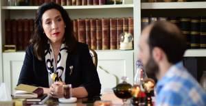 Celil Nalçakan Kırmızı Oda Dizisindeki Performansı ile Sosyal Medyada Damga Vurdu - 1