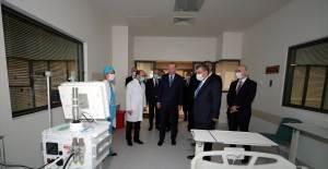 Cumhurbaşkanı Erdoğan Yerli Solunum Cihazını İnceledi - 1