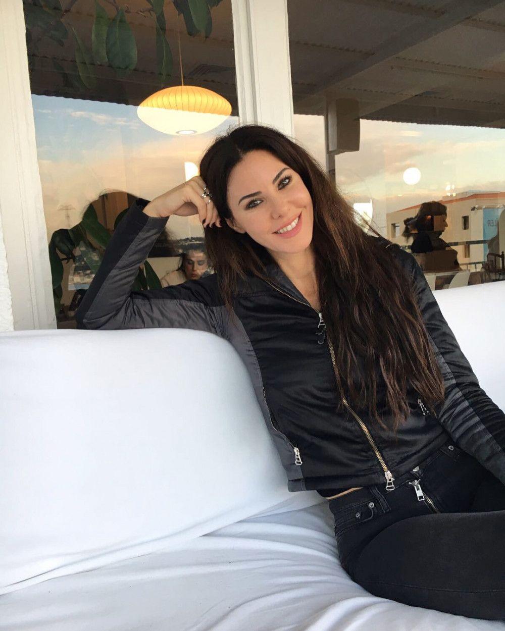 Defne Samyeli Tatil Pozuyla Beğeni Topladı - 1