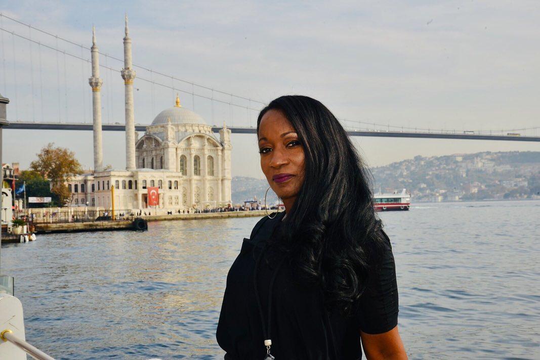 Della Miles 'Biz Bize Yeteriz Türkiyem' Kampanyasına Destek Oldu - 2