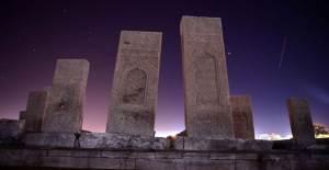 Dünyadaki En Büyük Türk-İslam Mezarlığı: Ahlat Selçuklu Meydan Mezarlığı - 1