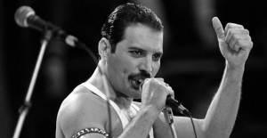 Freddie Mercury - 1