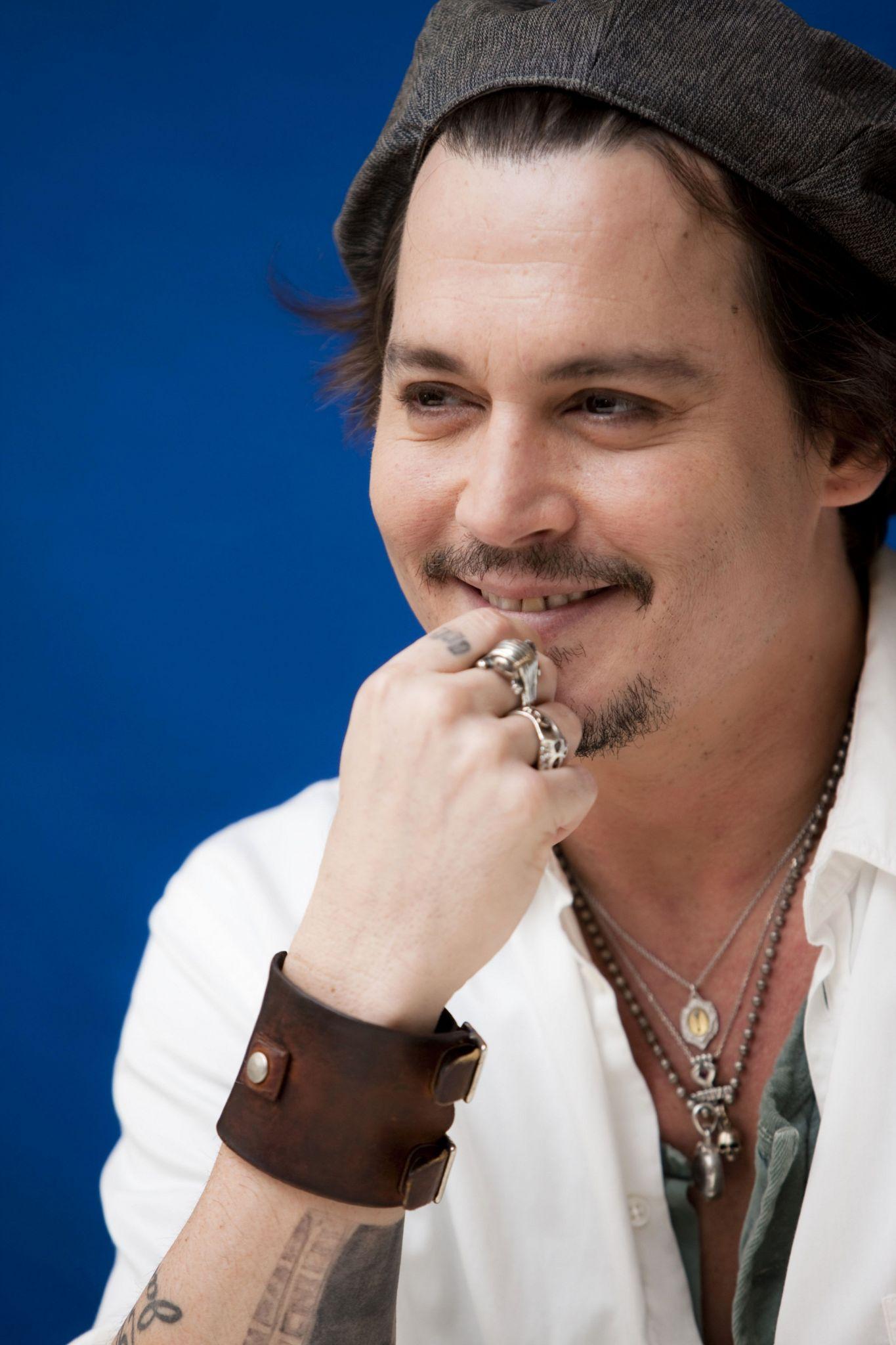 Johnny Depp ile Sophie Hermann Aşk mı Yaşıyor? - 2