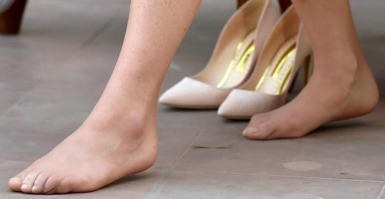 İngiliz Prensinin Eşi Nasırlı Ayaklarıyla Ülkede Gündem Oldu - 1
