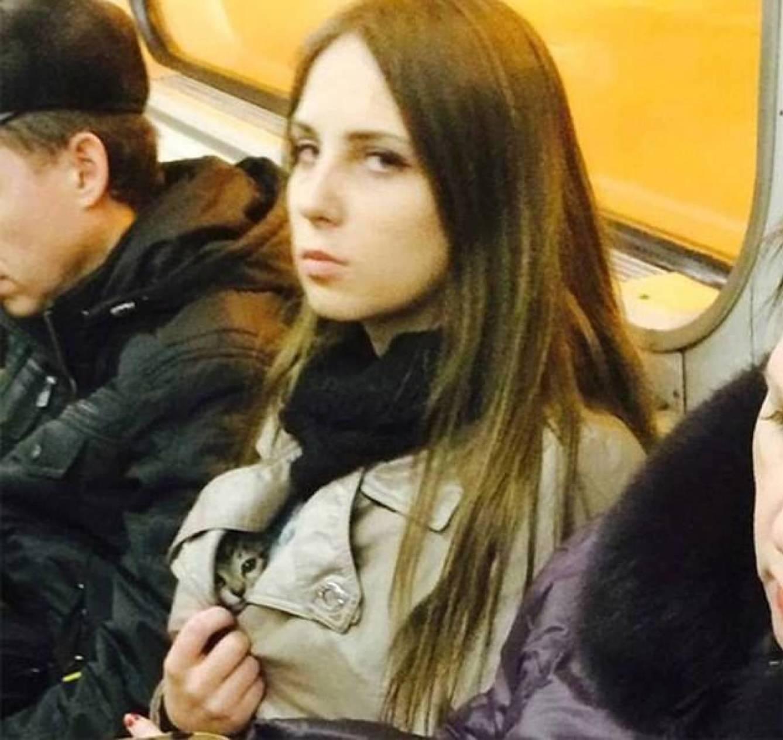 Metroda Karşılaşabileceğiniz 16 Tuhaf Manzara - 1