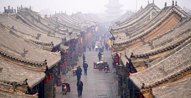 Çin'de Dizi Seti Gibi Görünen Bu Antik Kent Hayranlık Yaratıyor! - 1