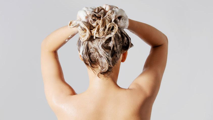 Duş Alırken Şampuandan Önce Saç Kremi Kullanın! - 1
