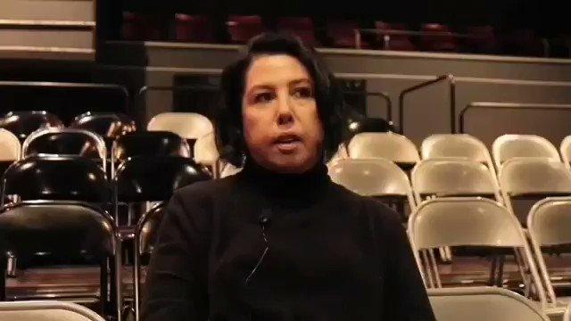Demet Akalın, Seyhan Erdağ'a Yaptığı Yorumla Dikkat Çekti - 1