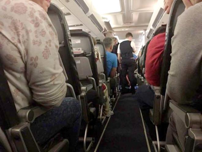 Uçak Seyahatinde Bunlara Mutlak Dikkat Edin! - 2