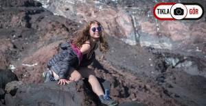Ağrı Dağı'nda Ukraynalı Turistler Bikinili Pozlarıyla Dikkat Çekti - 1