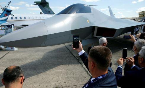 Türkiye'den Milli Savunma Sanayii'nde Dev Adım: Milli Muharip Uçağı Görücüye Çıktı5454