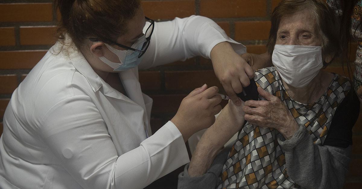 Brezilya'ya da hatırlatma aşılarına başlandı