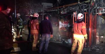 Arnavutköy'de Çıkan Yangında Lokanta Kül Oldu