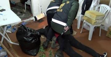 Ataşehir'de Serada Uyuşturucu Yetiştirilen Eve Polis Baskını