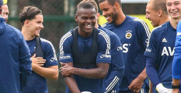 Fenerbahçe Samatta'ya Güveniyor