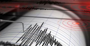 Yunanistan'da Korkutan Deprem