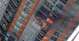 Londra'da 43 Katlı Apartmanda Yangın Meydana Geldi