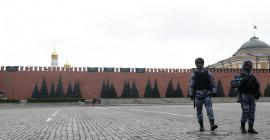 Şiddetli Rüzgarlar Rusya'yı Etkisi Altına Aldı, Kızıl Meydan Kapatıldı