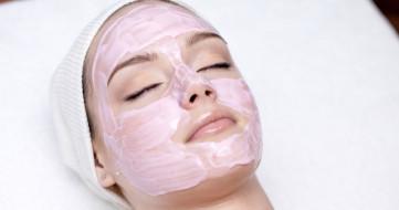 Gül Suyu Maskesi Nasıl Yapılır?