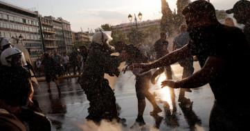Zorunlu Aşı Uygulaması Yunanistan'ı Karıştırdı