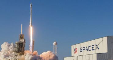 Elon Musk, 60 Starlink Uydusunu Daha Uzaya Fırlattı