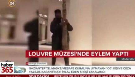 Afrikalı Adam Louvre Müzesi'nde Eylem Yaptı