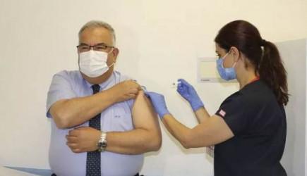 Aşının İkinci Dozu Profesöre de Yapıldı