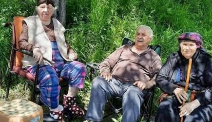 Aynı Aileden 3 Kişi 1 Haftada Koronavirüsten Hayatını Kaybetti