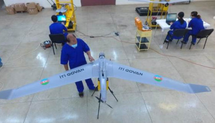 Azerbaycan Ürettiği Kamikaze İHA'sına 'İti Kovan' İsmini Verdi