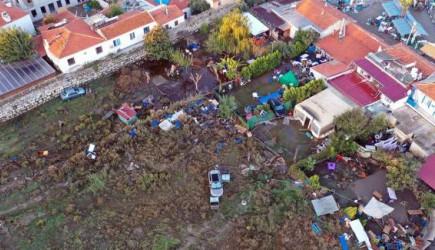 Deprem Sonrası Seferihisar'daki Yıkım Görüntülendi