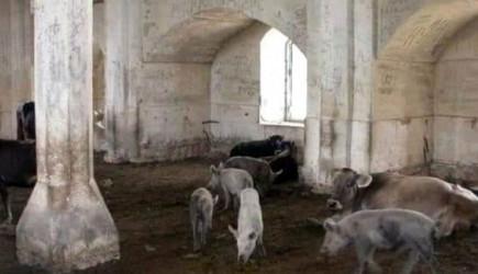 Ermenilerin Zengilan'da Camiyi Ahıra Çevirdiği Ortaya Çıktı