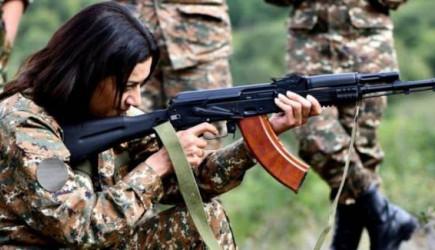 Ermenistan Başbakanı Paşinyan'ın Eşi Cepheye Gideceklerini Söyledi