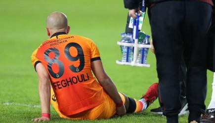 Galatasaray'a Yıldız Futbolcusundan Kötü Haber