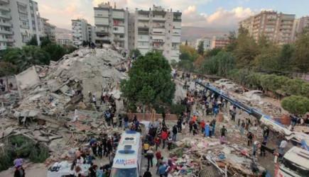 İzmir'de Uzun Gece! 221 Artçı Deprem Meydana Geldi