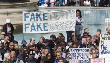 Londra'da Aşı Karşıtı Protesto