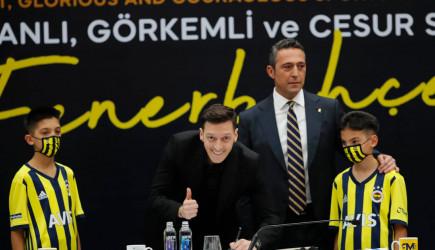 Mesut Özil İmza Töreninde Açıklamalarda Bulundu