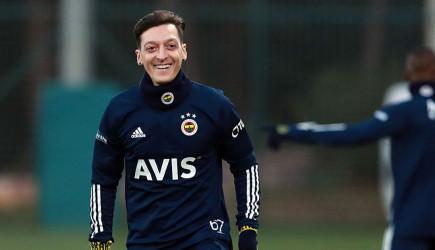 Mesut Özil'in İmza Törenine Talep Artıyor!