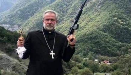 Silahla Azerbaycan'ı Tehdit Eden Rahip Kaçtı