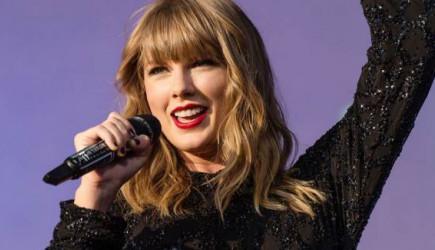 Taylor Swift 2020'de Albümü 1 Milyon Satan İlk Şarkıcı Oldu