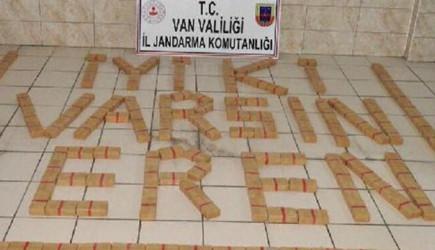 Van'da Jandarma 101 Kilo Eroinle 'İyi ki Varsın Eren' Yazıldı