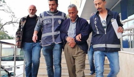 Zonguldak'ta Komşusunu Öldürdü, Cenazesine Katıldı