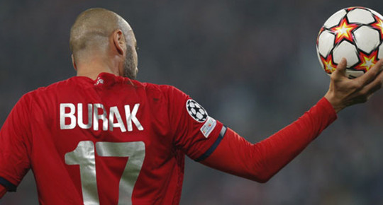 A Milli Takım'ın Yıldız Futbolcusu Burak Yılmaz, Ofsayt Rekoru Kırdı!