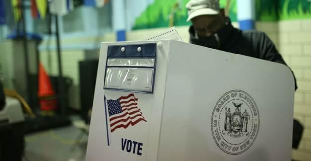 ABD'de Başkanlık Seçimleri İçin 50 Milyona Yakın Oy Kullanıldı
