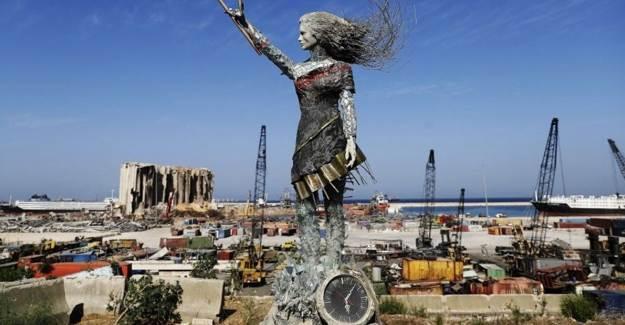 Beyrut Limanı'na Öfke Heykeli Dikildi
