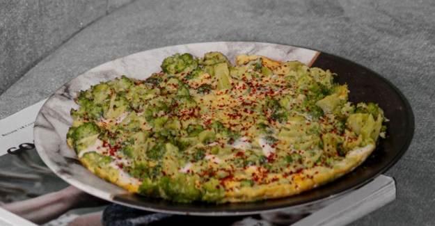 Brokolili Omlet Nasıl Yapılır? Brokolili Omlet Tarifi